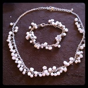 Pearl beads necklace and bracelet